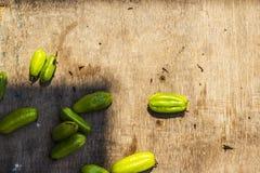 Frutti di Bilimbi su fondo di legno fotografia stock libera da diritti