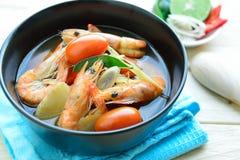 Frutti di mare caldi e piccanti di Tom Yum Goong - della minestra con gamberetto - Th Immagini Stock Libere da Diritti