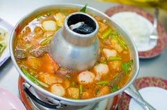 Frutti di mare caldi e piccanti tailandesi della minestra Fotografie Stock