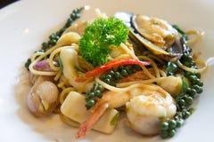 Frutti di mare degli spaghetti nello stile tailandese Fotografie Stock