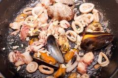 Frutti di mare sulla vaschetta fotografia stock