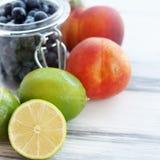 Frutti e bacche Fotografie Stock Libere da Diritti