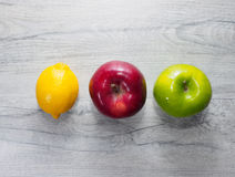 Frutti gialli, rossi, verdi Fotografie Stock Libere da Diritti