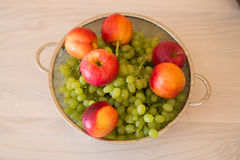 Frutti nel bown immagine stock libera da diritti
