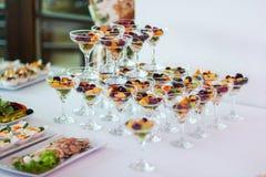 Frutti ordinati nei vetri Fotografia Stock Libera da Diritti