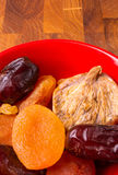 Frutti secchi sul piattino Fotografia Stock Libera da Diritti