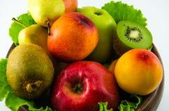 Frutti su un fondo bianco Fotografie Stock Libere da Diritti
