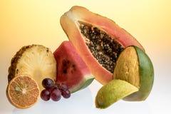 Frutti tropicali nel giallo Fotografie Stock Libere da Diritti