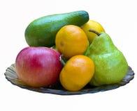 Frutti variopinti assortiti sul piatto, isolato Fotografia Stock Libera da Diritti