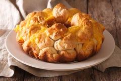 Frutto del baobab delizioso con il primo piano del formaggio sulla tavola horizo Immagine Stock Libera da Diritti