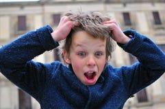 förvånad pojke Arkivfoto