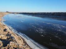 Frysa-över av en liten flod Royaltyfria Foton