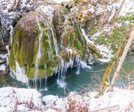 Fryst Bigar vattenfall royaltyfri foto