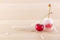 fryste Cherry royaltyfri bild