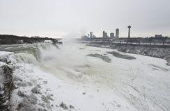 Fryste Niagara Falls arkivbild