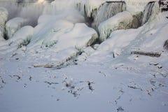 Fryste Niagara Falls royaltyfria bilder