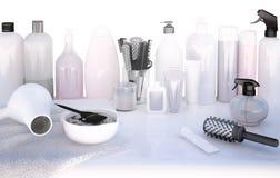 Fryzjerów akcesoria dla barwić włosy na stole Obraz Stock