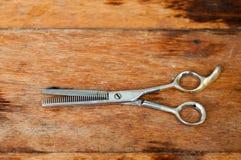 Fryzjerów męskich nożyce obrazy stock