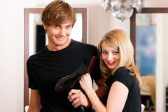 fryzjer żeńska samiec Fotografia Royalty Free