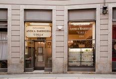 fryzjer męski dziejowy Milan sklep Zdjęcia Stock