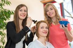 Fryzjera barwiarski włosy klient zdjęcia royalty free