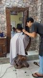 Fryzjera męskiego sklep, Naturalny z kamienną dekoracją zdjęcie stock