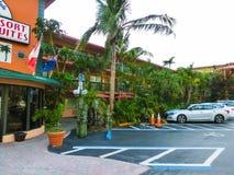 Ft 劳德代尔,美国- 2018年5月12日:Ft 劳德代尔海滩胜地旅馆和随员 库存图片