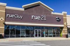 Ft 韦恩-大约2016年9月:rue21零售购物中心地点 rue21由Apax拥有成为I的伙伴 免版税库存图片