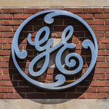 Ft Wayne - circa im August 2017: General Electric-Fabrik-Logo GE-Abteilungen umfassen Luftfahrt, Energie, Gesundheitswesen und Be Stockbild