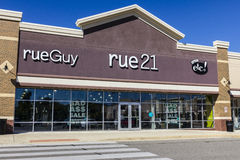 Ft. Wayne - Circa September 2016: rue21 Retail Strip Mall Location. rue21 is owned by Apax Partners I Royalty Free Stock Image