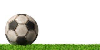 Fútbol - balón de fútbol con la hierba verde Fotografía de archivo libre de regalías