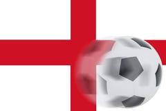 Fútbol en la bandera de Inglaterra Imagen de archivo libre de regalías