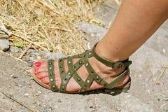 Fuß in den Sandalen Lizenzfreies Stockbild