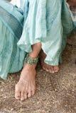 Fuß der würdevollen älteren Frau Stockfotos