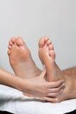 Fuß-Massage im Badekurort Lizenzfreie Stockbilder