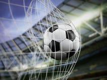 Fußball auf dem Netz stockbild