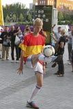 Fußball Freestyler stockbild