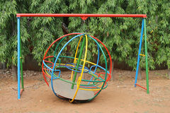 Fußball-Kugelfahrt in einem Kinderpark Stockbild