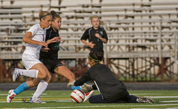 Fußball-Mädchen-Uni-Highschool Lizenzfreie Stockfotos