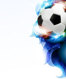 Fußball mit den abstrakten blauen Blumenblättern Lizenzfreies Stockfoto