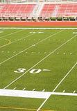 Fußball-Stadion-Rot-Zuschauertribünen Stockbilder