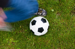 Fußball-Stoß Stockbild
