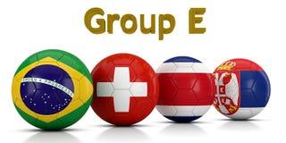 Fußball-Weltmeisterschaft gruppiert 2018 - die Gruppe E, die durch die klassischen Fußbälle dargestellt wird, die mit den Flaggen Lizenzfreie Abbildung