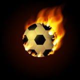 Fußballball auf Feuer Abbildung auf schwarzem Hintergrund lizenzfreie abbildung