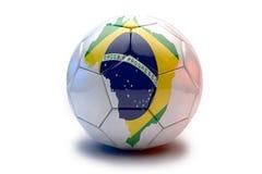 Fußballkugel mit Markierungsfahne Stockbild
