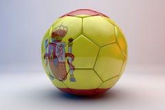 Fußballkugel mit Markierungsfahne Stockfotografie
