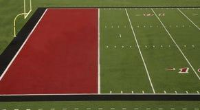 Fußballplatz-Rot-Endzone Stockbilder