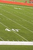 Fußballplatz von den Zuschauertribünen Stockfoto
