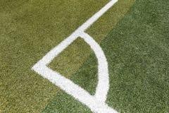 Fußballplatzecke, luftgetrockneter Ziegelstein rgb stockfoto