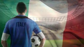 Fußballspiel gegen italienischen Flaggenhintergrund lizenzfreie abbildung